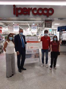 Donazione dipendenti Nova Coop per Croce Rossa Italiana