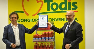 TODIS20 - Consegna Certificazione Il Salvagente - Direttore Generale Massimo Lucentini