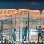 Disperati e lavoro nero all'Ortomercato di Milano